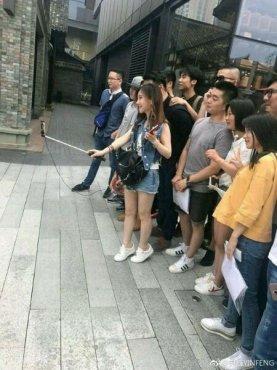 冯提莫自证身高不止1米5 网友在评论里揭穿她